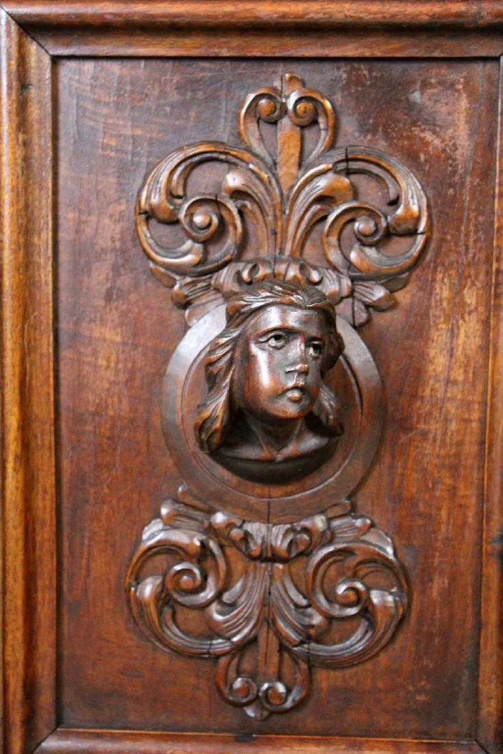 Pair of Italian Renaissance nightstands - 5