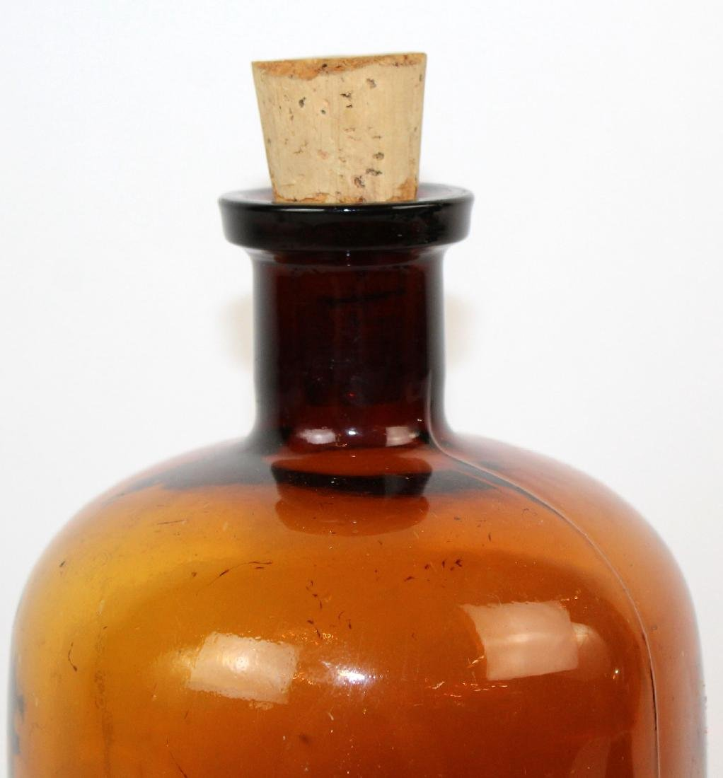 Amber glass apothecary bottle - 3