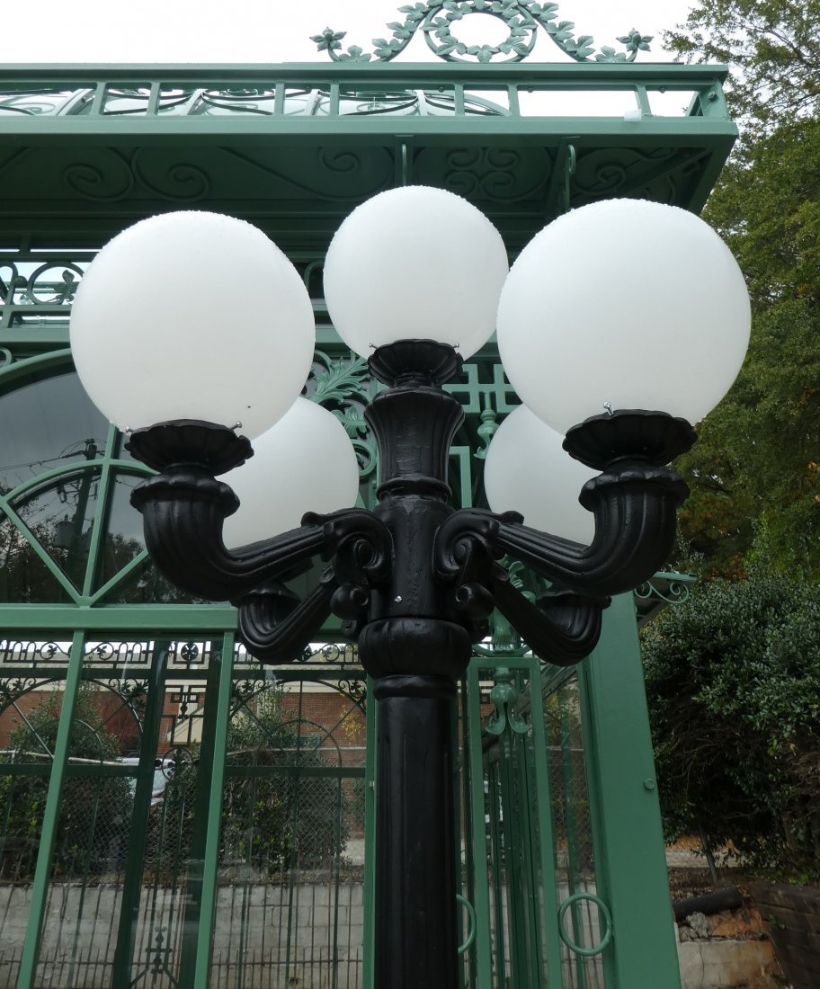 Cast aluminum 5-arm streetlight - 2