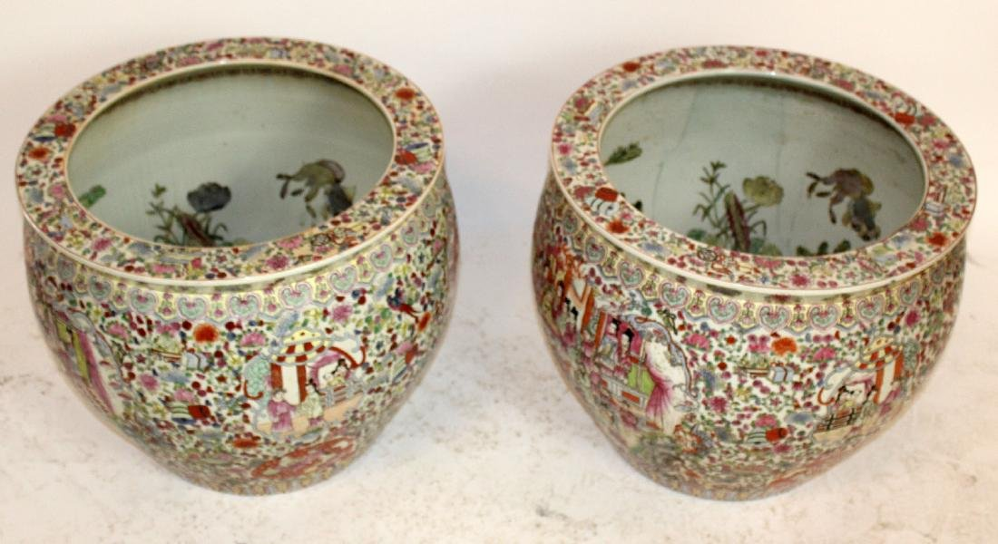 Pair of porcelain Chinese fish bowl planters - 5