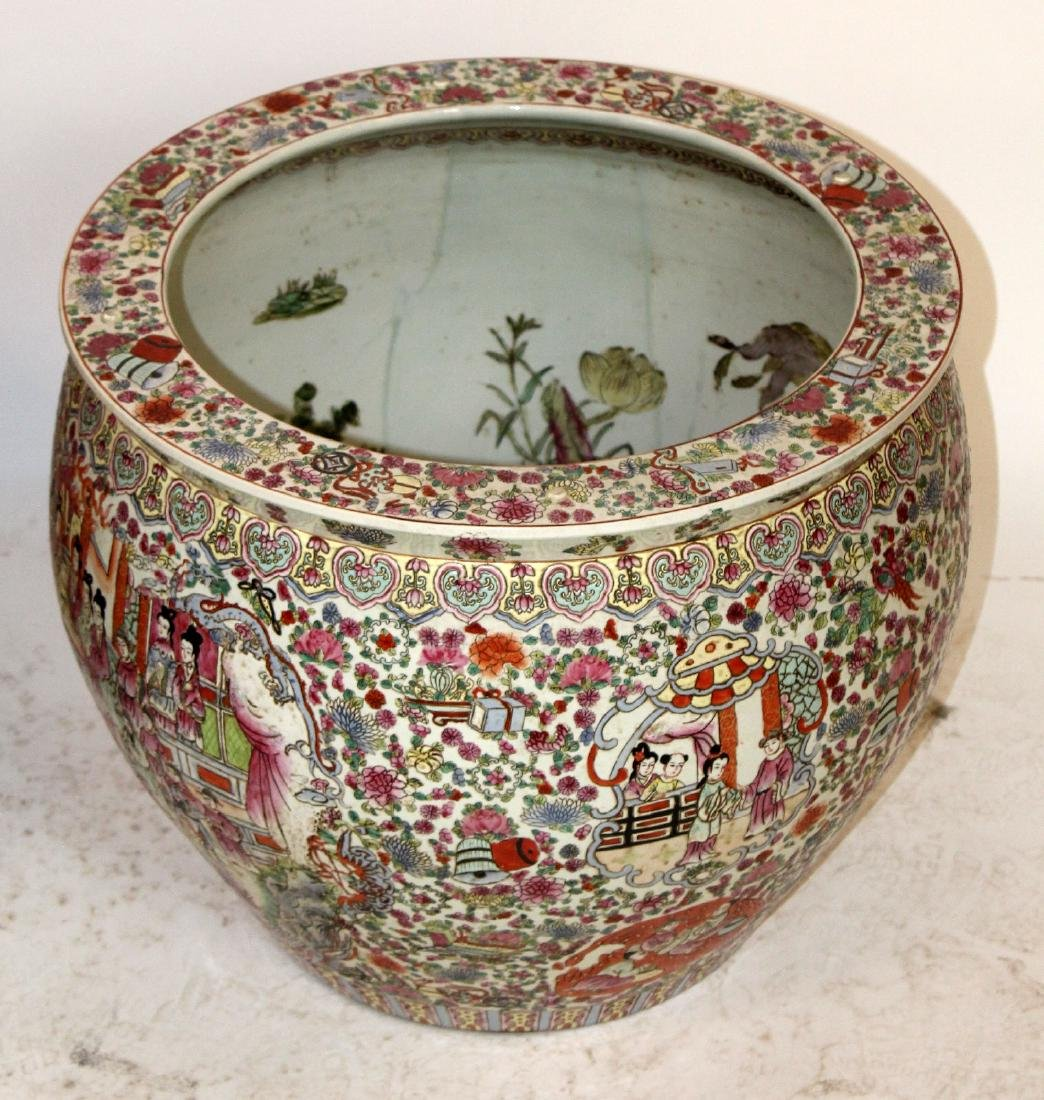 Pair of porcelain Chinese fish bowl planters - 6