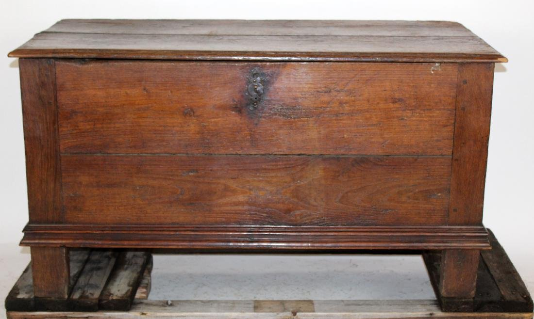 Antique English trunk in oak