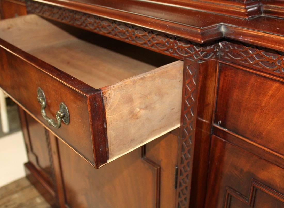 English Chippendale breakfront in mahogany - 6