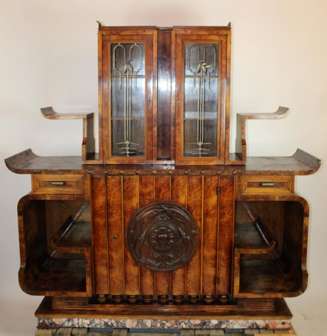 Period Art Deco buffet in burl walnut