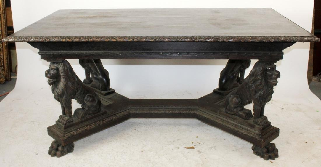 Italian Renaissance dining table in walnut