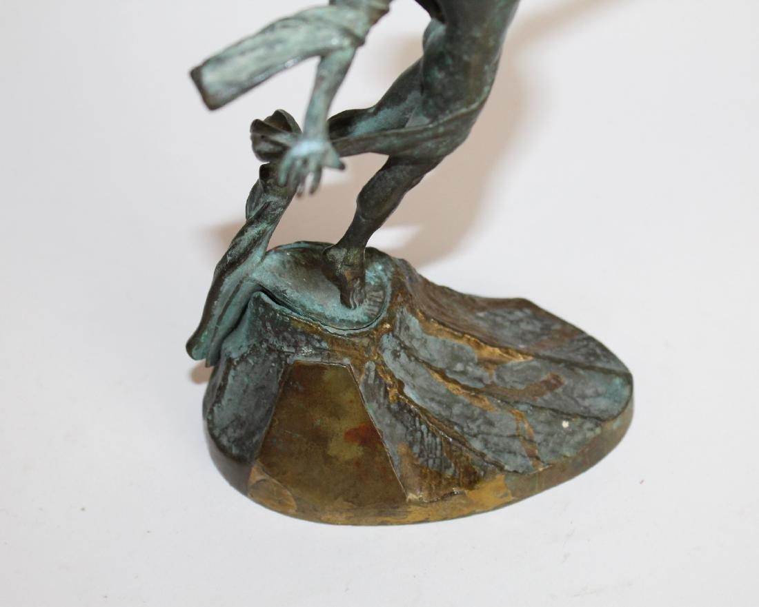 Commemorative bronze figural statue - 2