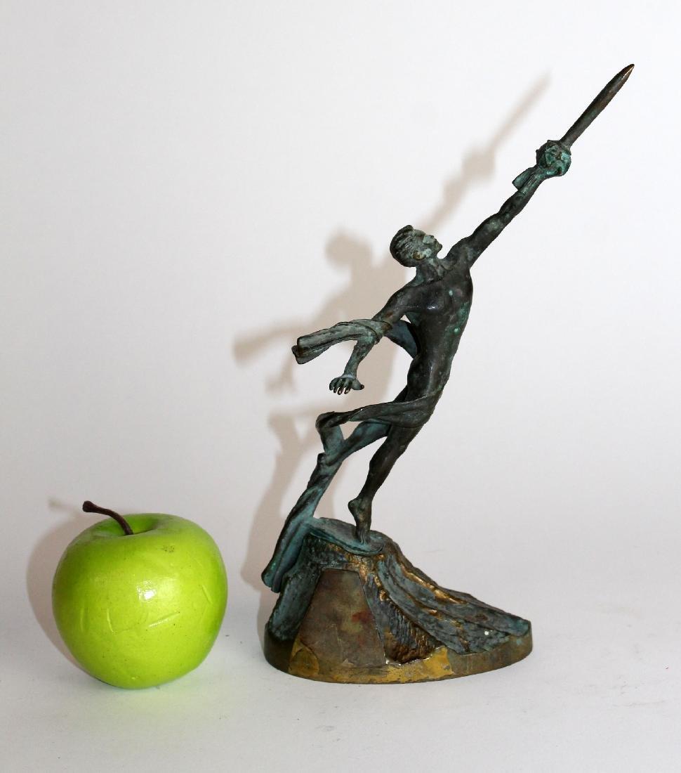 Commemorative bronze figural statue - 3