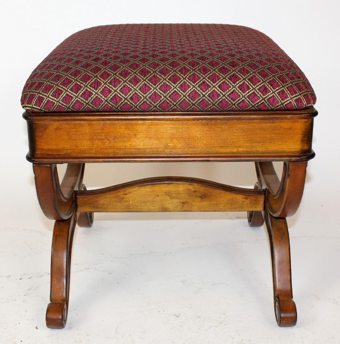 Upholstered ottoman with shaped legs - 3