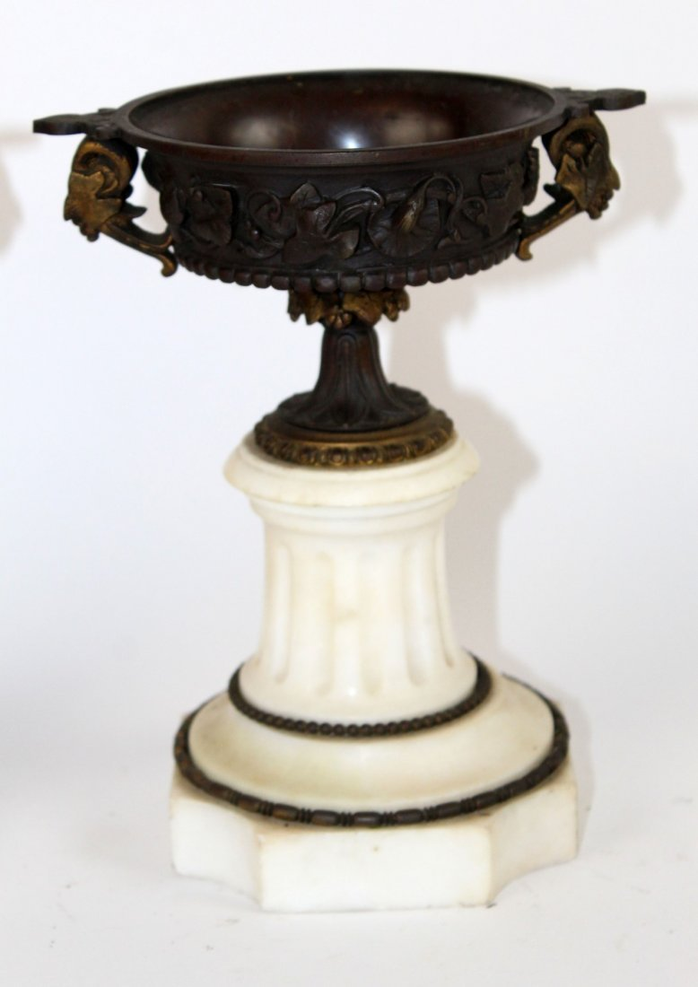 Pair of classical bronze and marble tazzos - 2