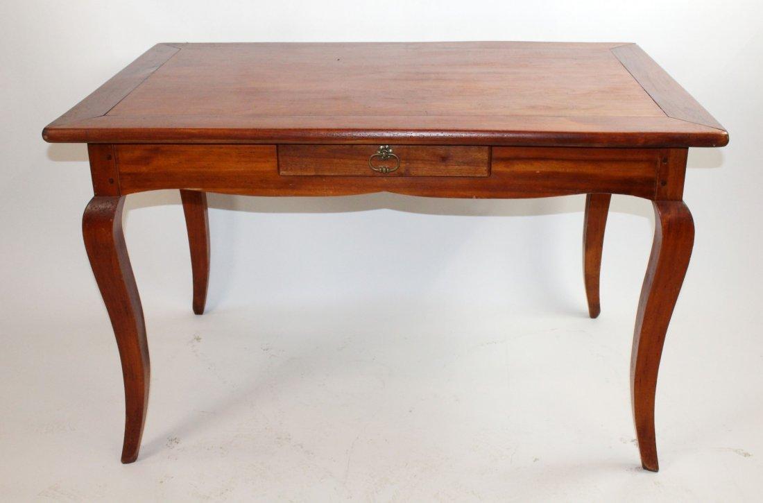 Mahogany Provincial style bureauplat desk