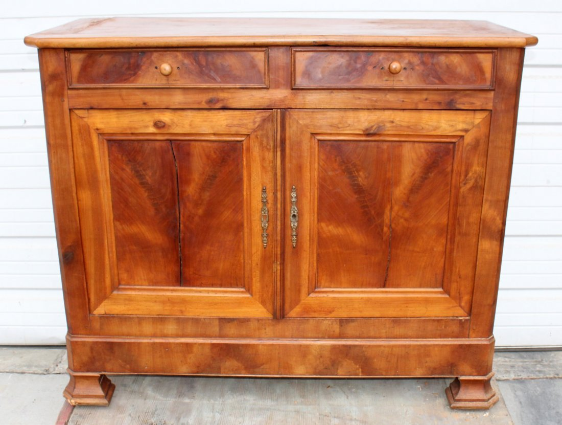 French Louis Philippe buffet bas in walnut