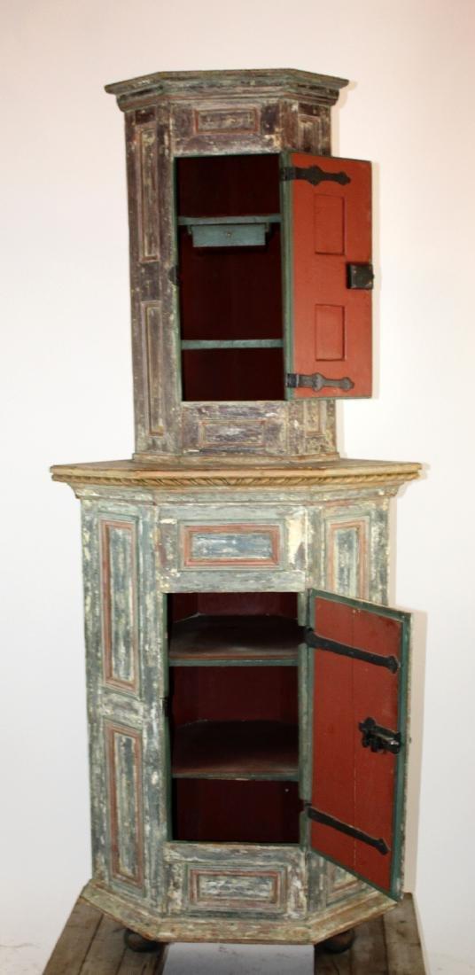 18th century Swedish painted corner cabinet - 3