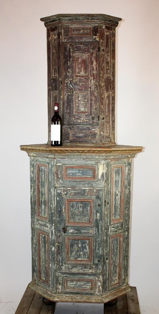 18th century Swedish painted corner cabinet - 4
