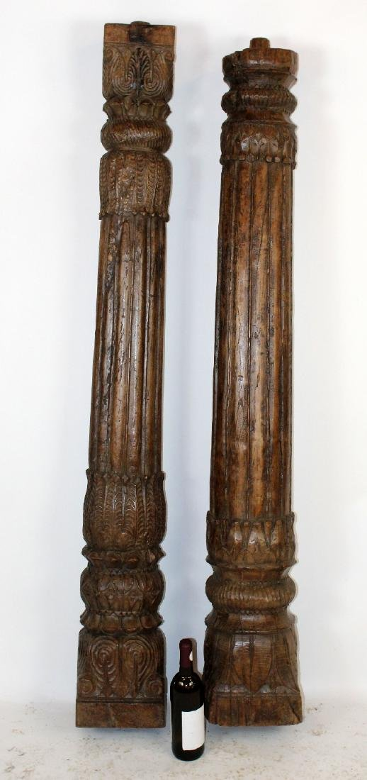 Companion lot of 2 carved wooden columns - 2