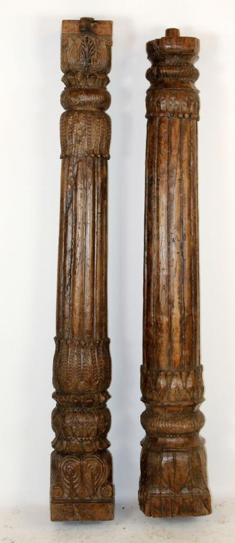 Companion lot of 2 carved wooden columns - 3