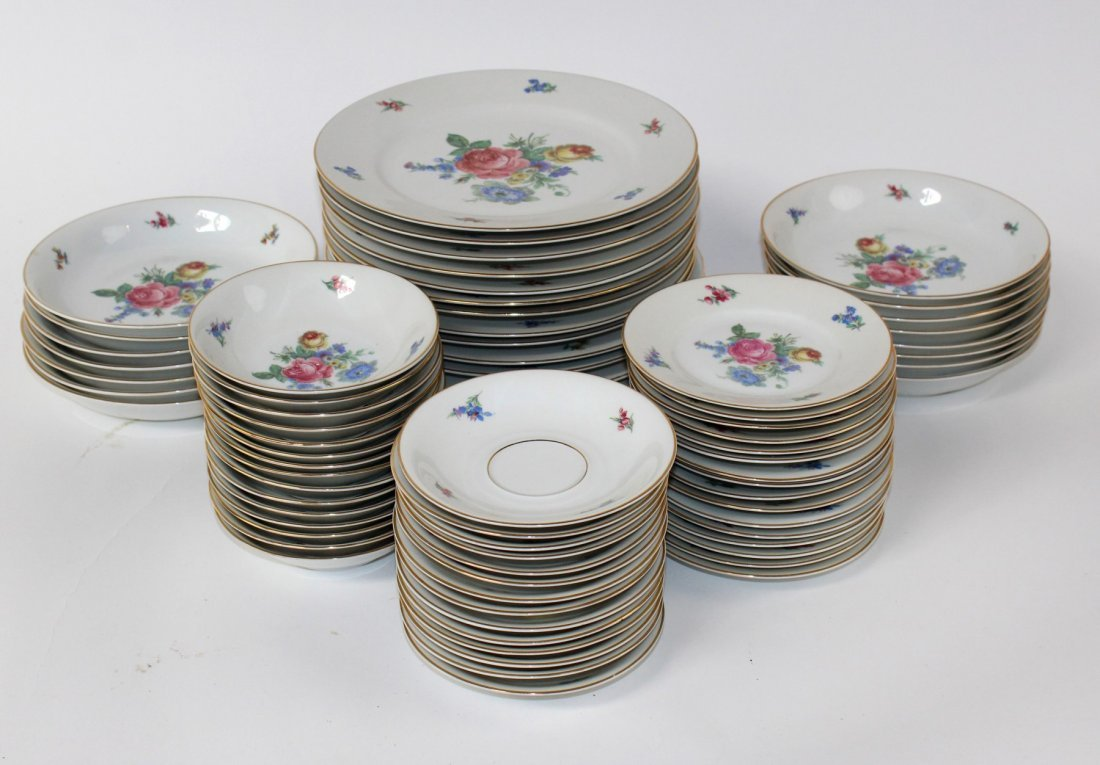 Johann Sellmann porcelain service for 16