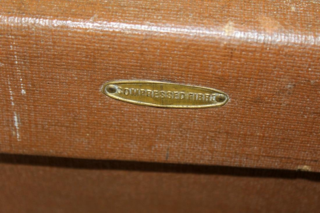 John Pound & Co Antique English canvas hat trunk - 6