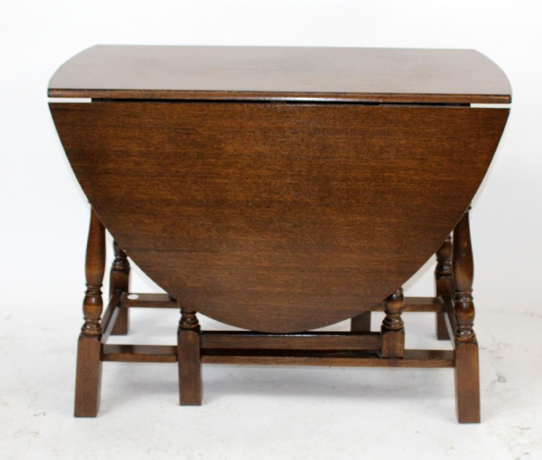Vintage oak gateleg drop side table