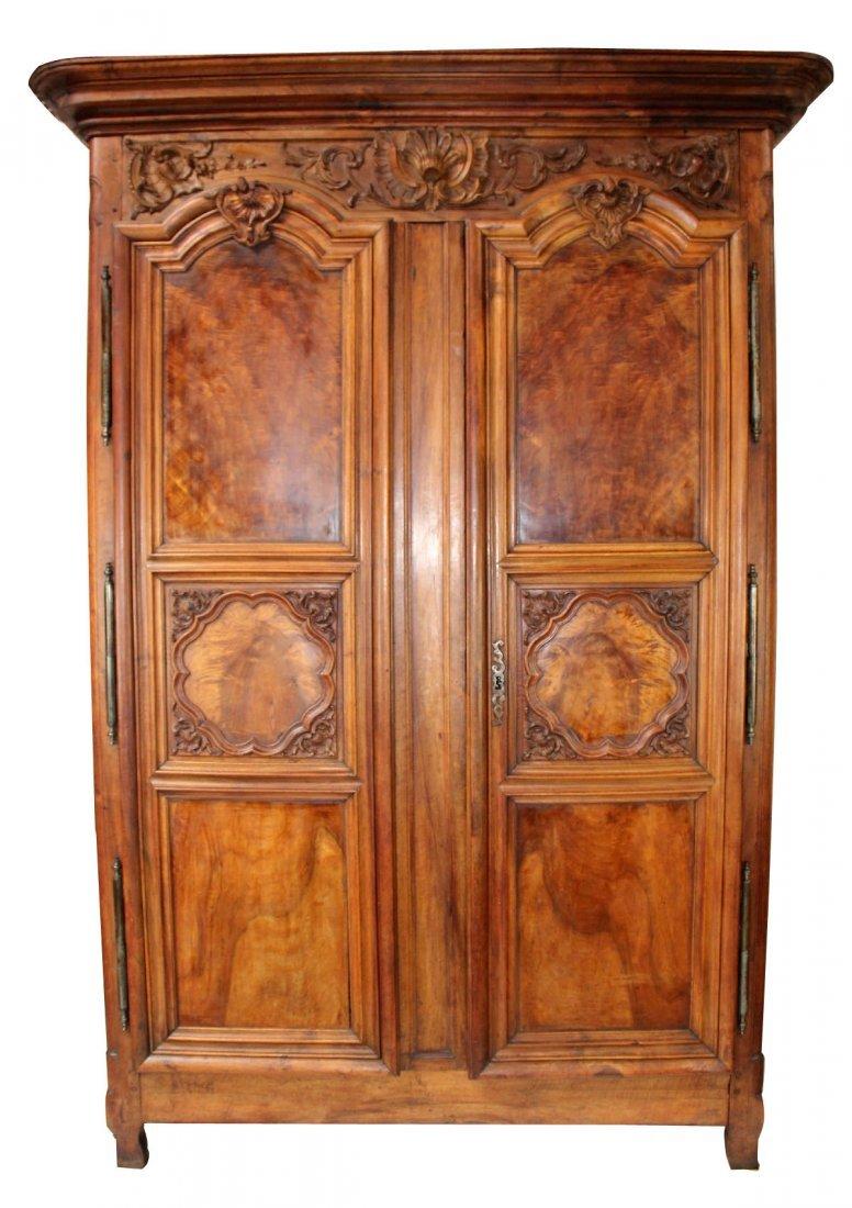 French Lyonnais armoire in walnut