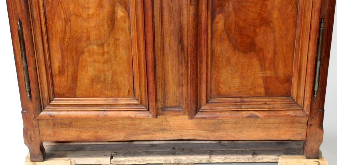 French Lyonnais armoire in walnut - 5