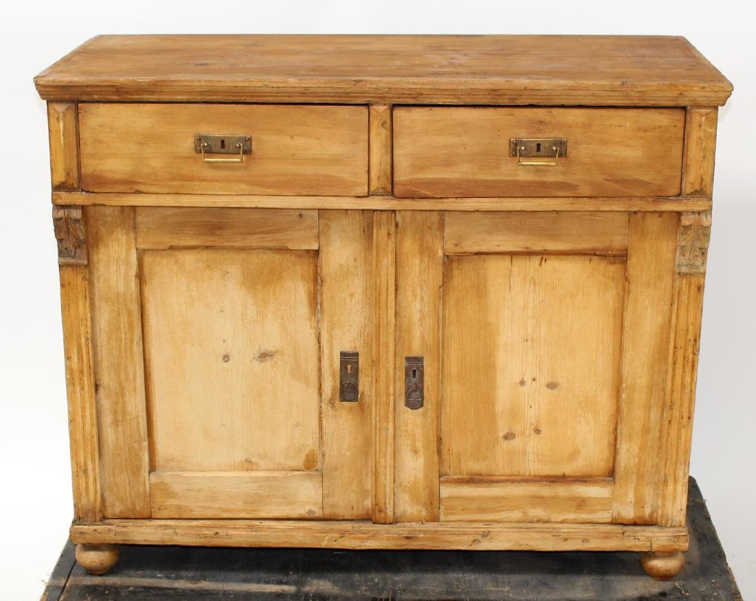 Provincial style pine buffet bas