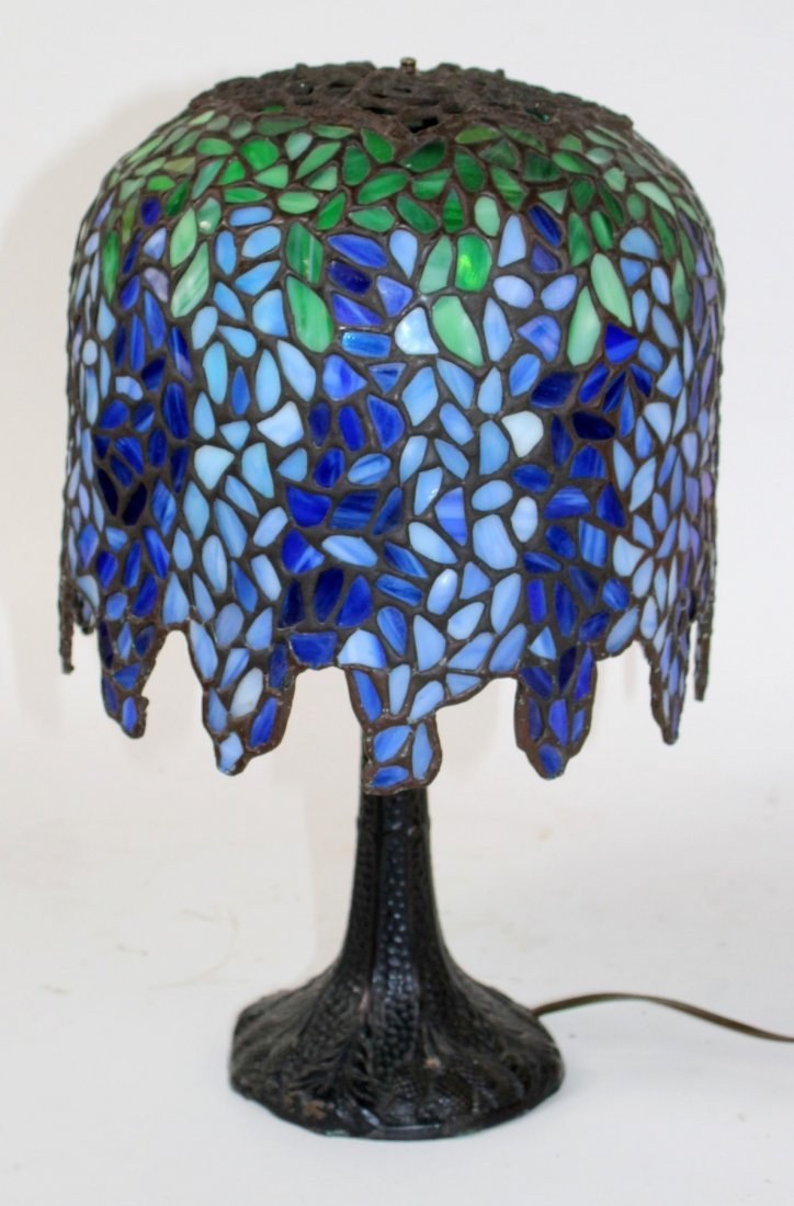 Leaded glass Wisteria style table lamp