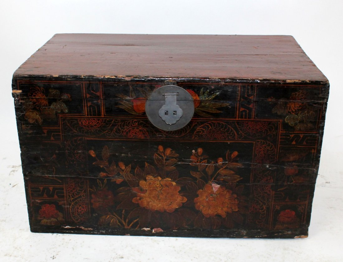Painted Chinese trunk