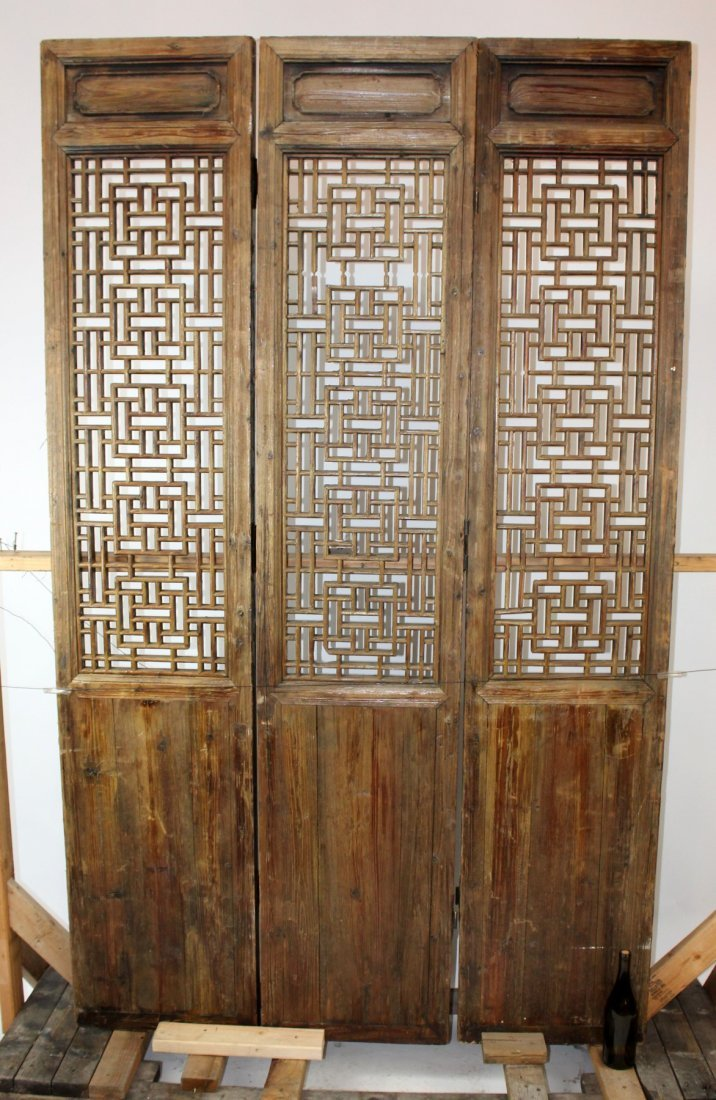 3 panel pierce carved Chinese screen - 2