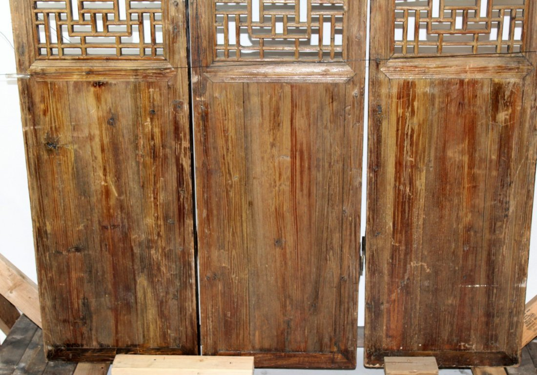 3 panel pierce carved Chinese screen - 4