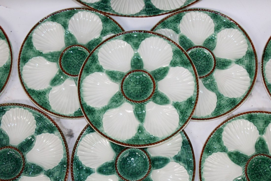 Lot of 12 French Majolica oyster plates with platter - 3