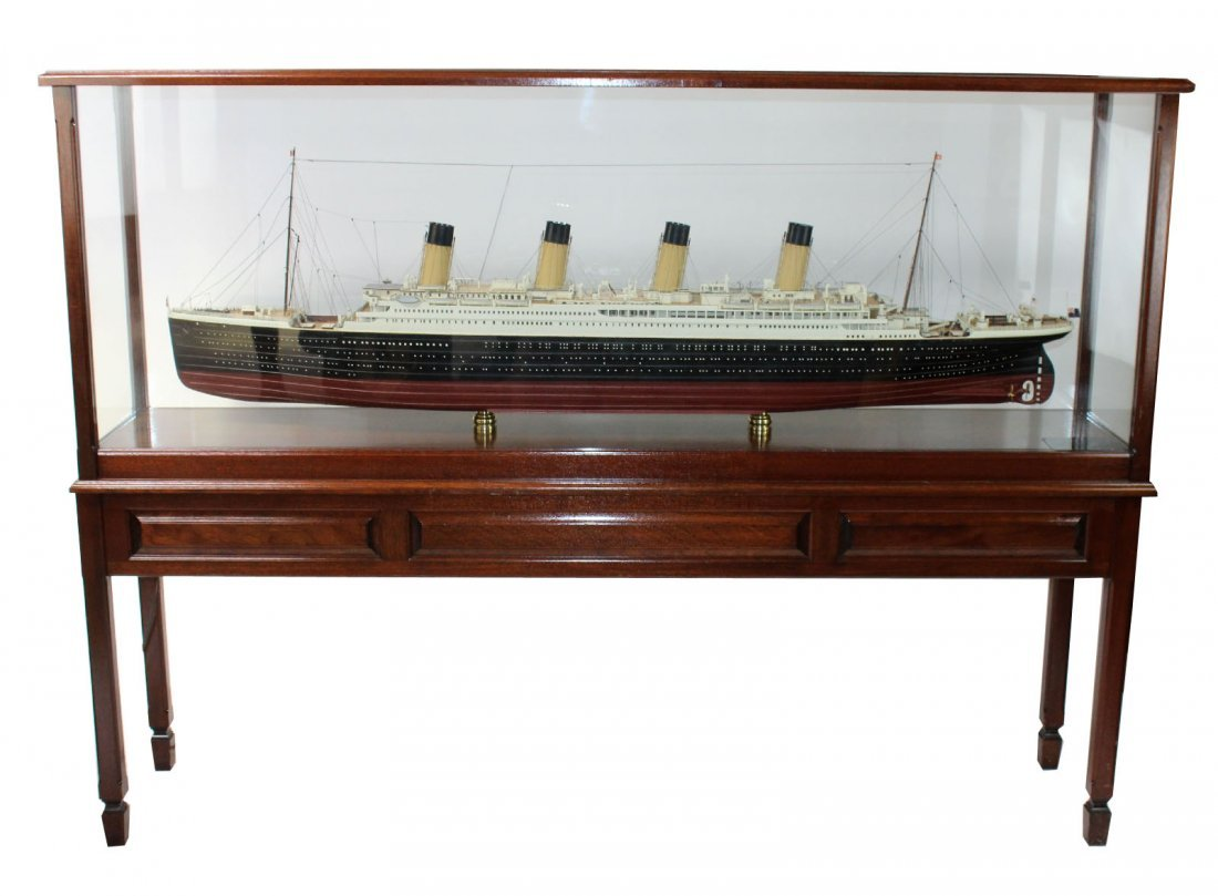 Large scale Titanic model in display case