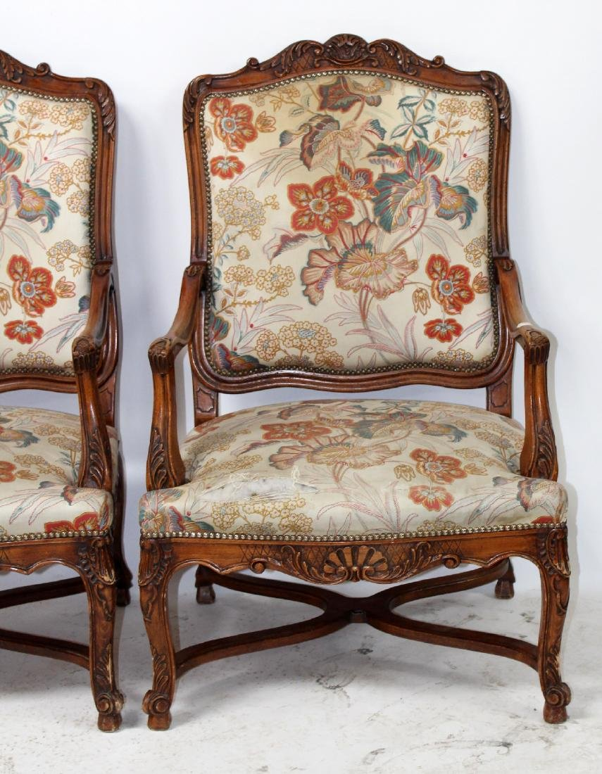 Pair of French Louis XV fauteuils - 3