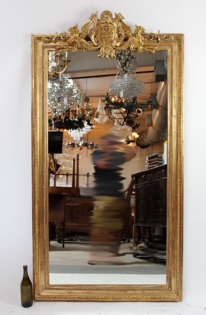 French gilt mirror with gryphons - 2