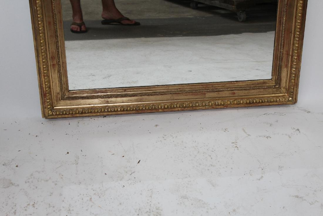 French gilt mirror with gryphons - 4