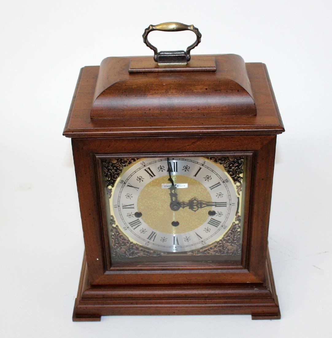 Howard Miller oak cased mantel clock - 3