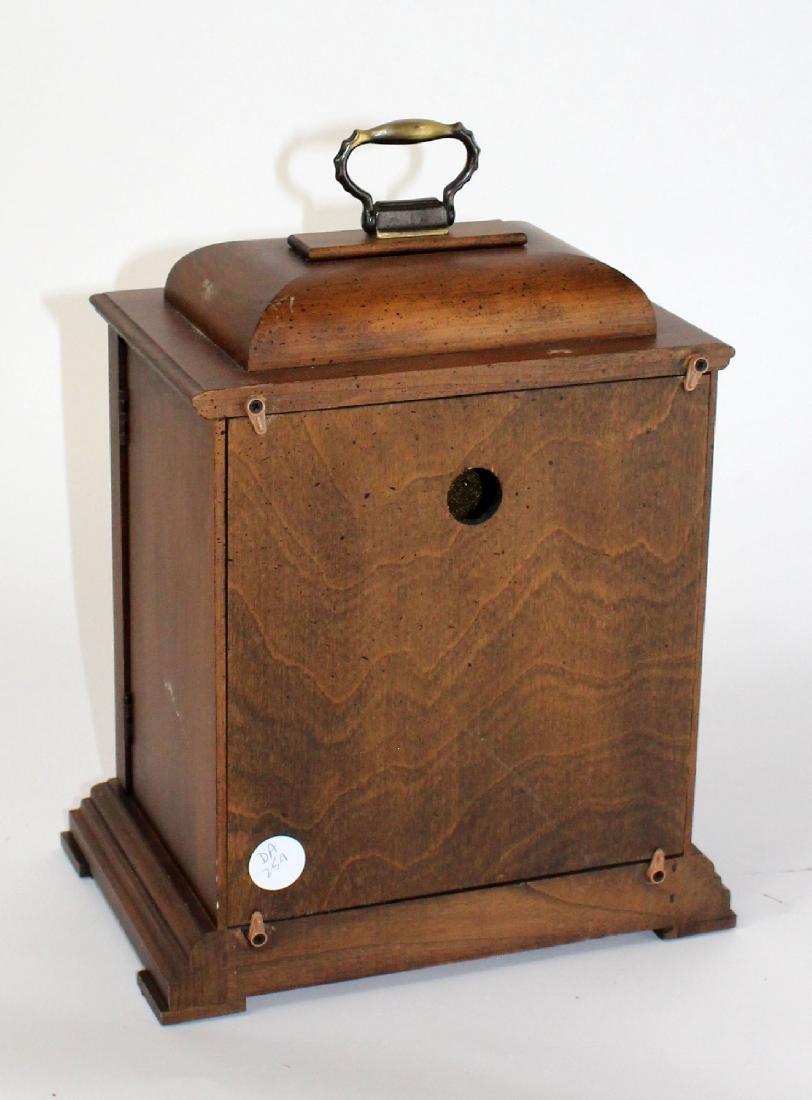 Howard Miller oak cased mantel clock - 4