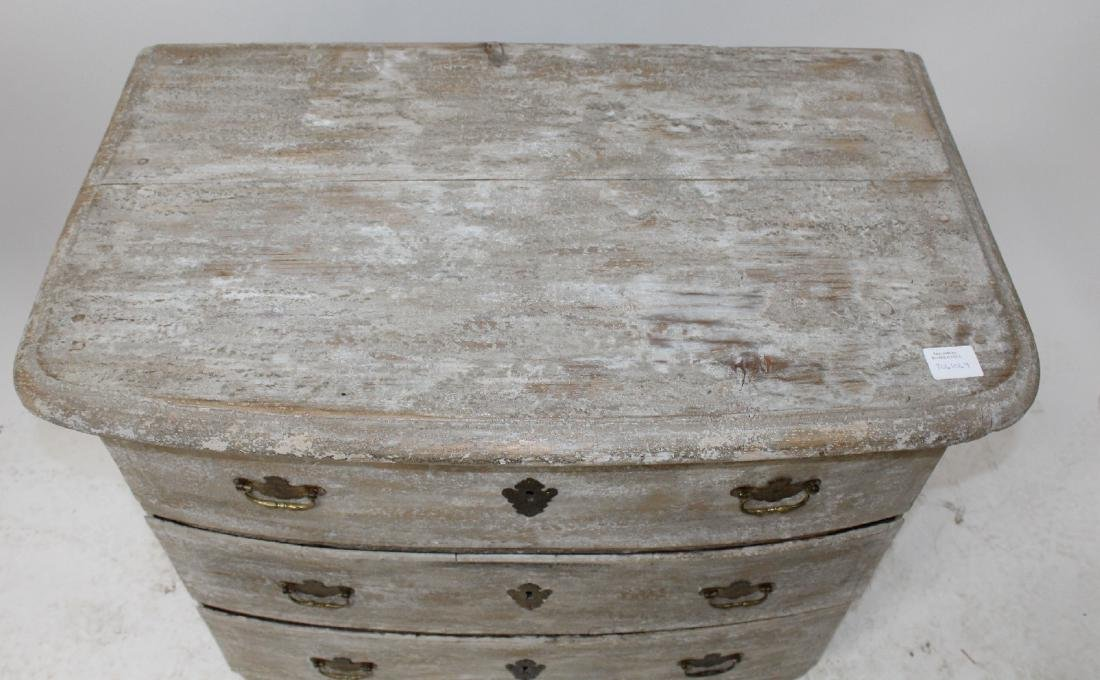 French 18th century 3 drawer commode - 4