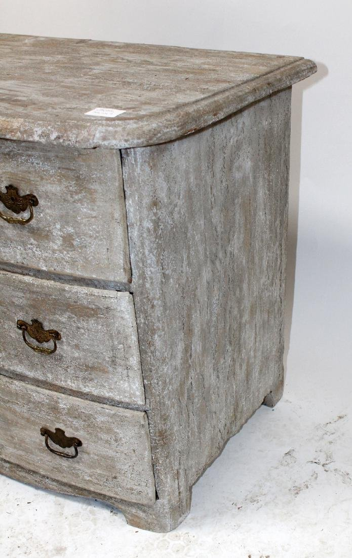 French 18th century 3 drawer commode - 5