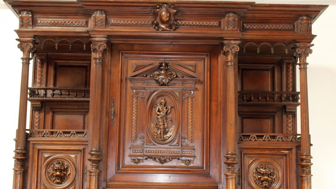 French carved walnut buffet with lion heads - 3