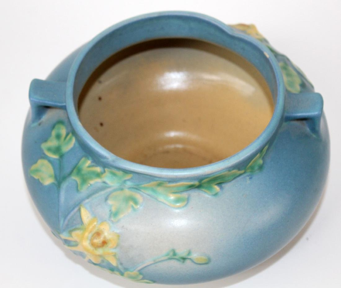 Roseville pottery vase Blue Columbine jardiniere - 4