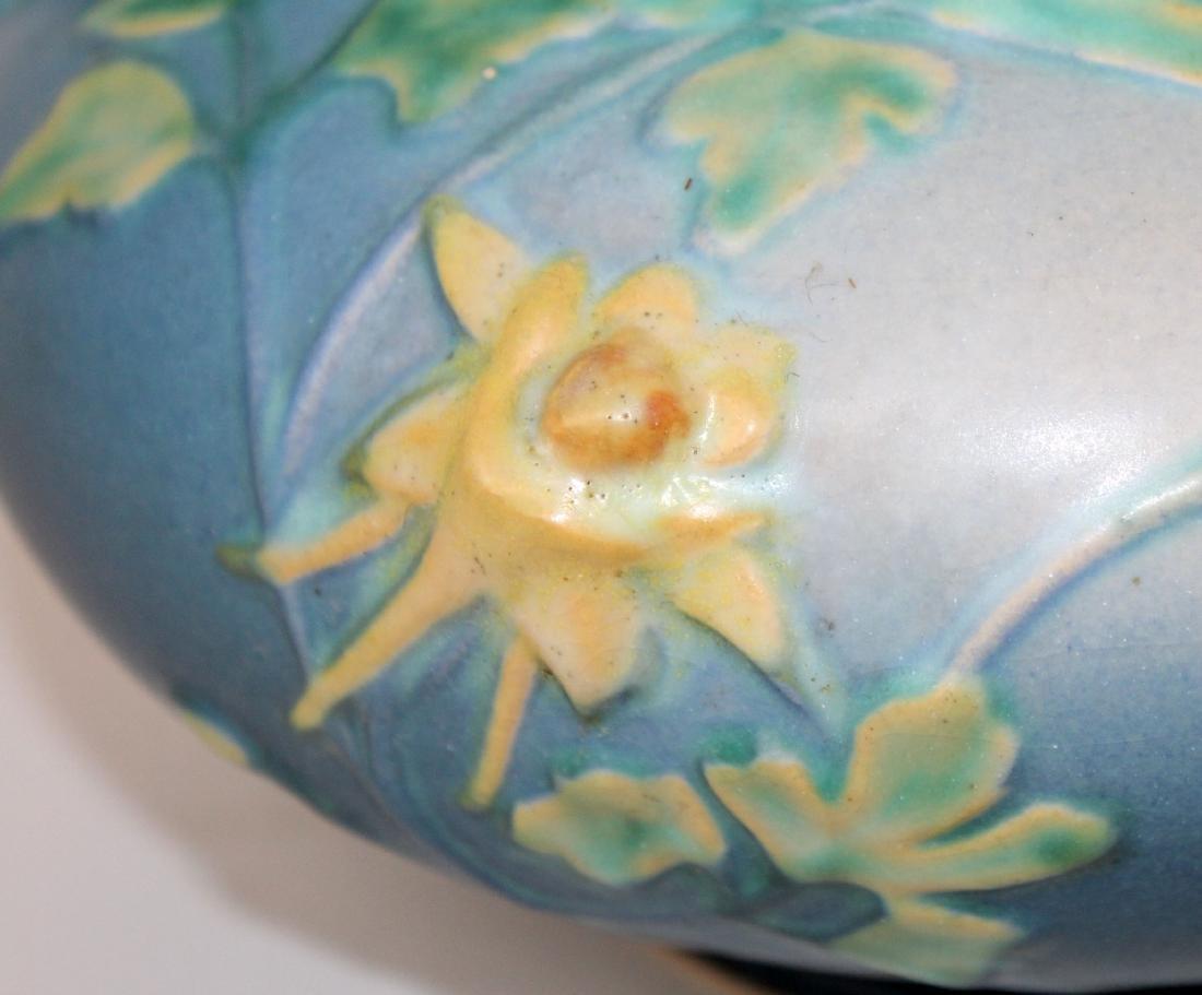 Roseville pottery vase Blue Columbine jardiniere - 5