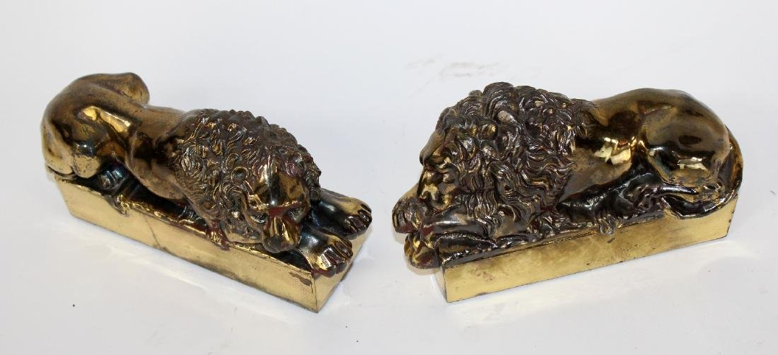 Pair of brass desk top Canova lions - 3