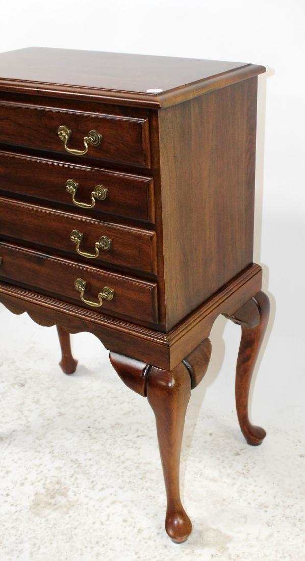 Mahogany 4-drawer silver chest on legs - 4
