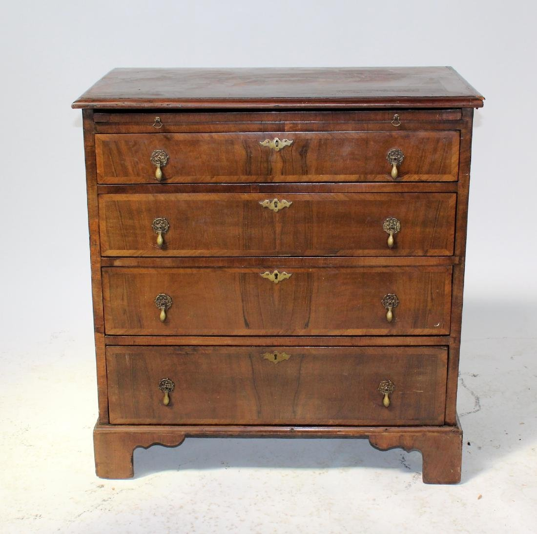 English Georgian style 4 drawer chest