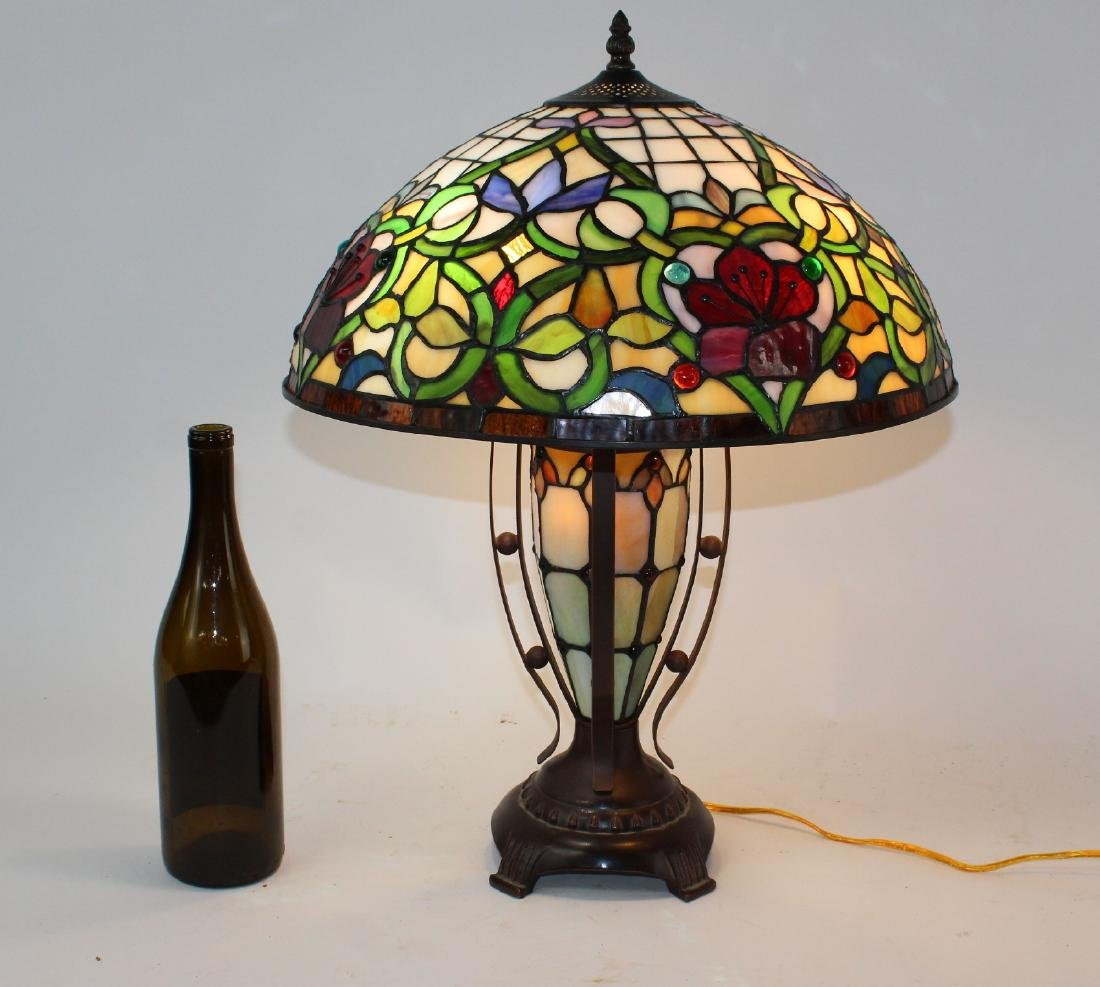 Floral motif stained glass table lamp - 2