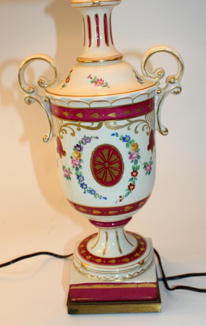 Pair of painted porcelain urn form lamps - 4