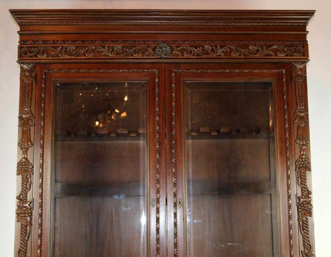 Louis XIII style carved mahogany gun cabinet - 3