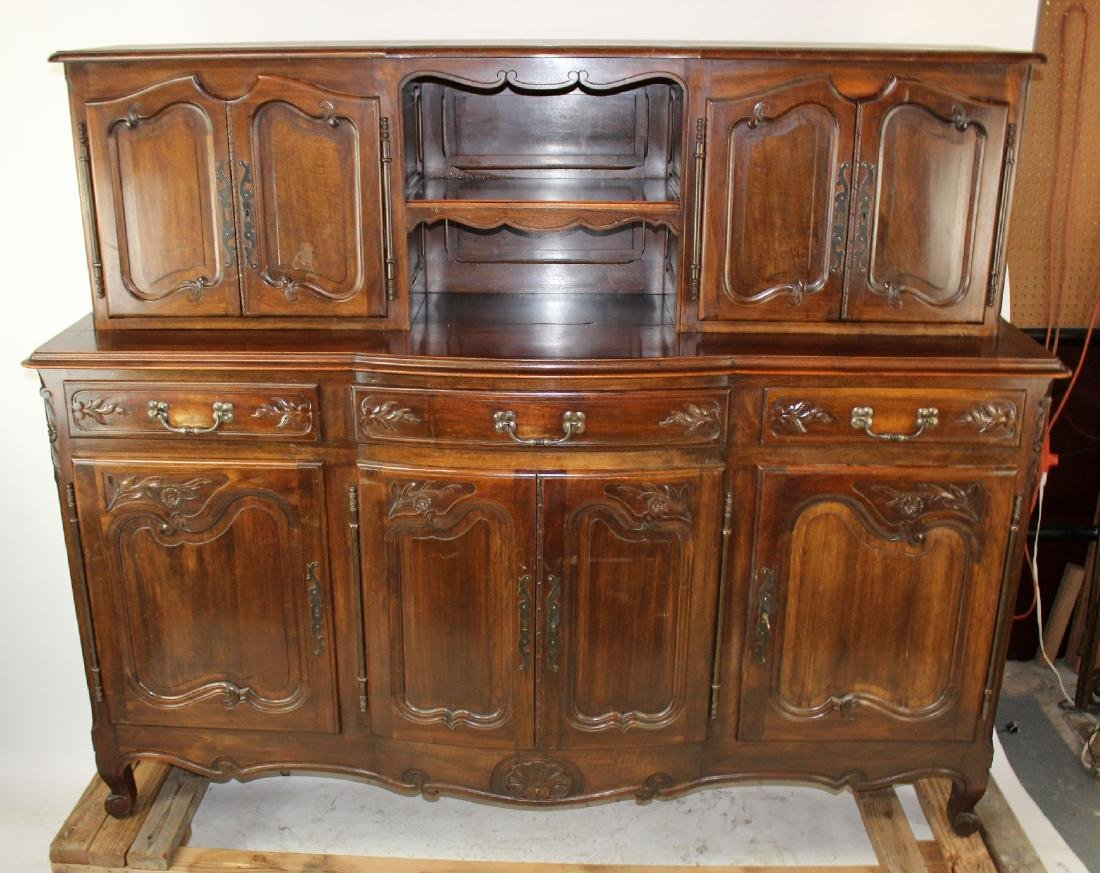 French Provincial buffet in walnut - 3