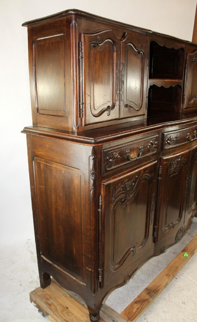 French Provincial buffet in walnut - 9
