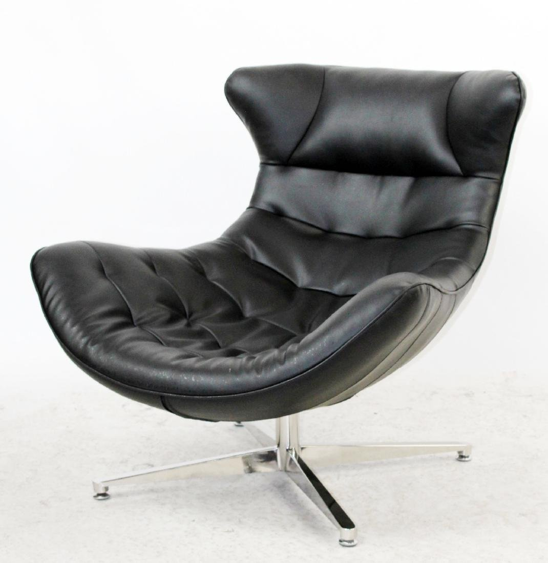 Lounge chair in the manner of Arne Jacobsen
